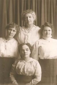 WWI Committee, (clockwise from front) Ida Hancock, Mrs. W. C. Light, Ella Spooner, & Unidentified